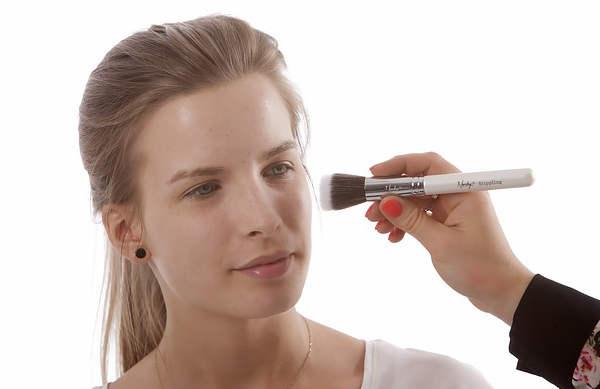 Le maquillage bio, qu'en est-il exactement?