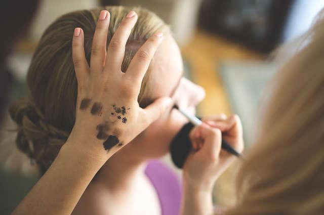Astuces pour faire tenir son maquillage
