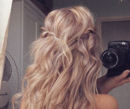 Photo: Cheveux longs, blonds et bouclés